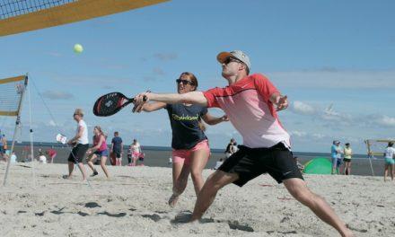 Jeden Mittwoch Beach Tennis in der Sport & Beach Arena Warnemünde
