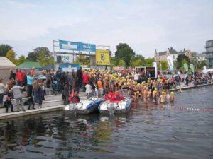 Das Schweriner Schloss-Schwimmen ist beliebt in Mecklenburg-Vorpommern