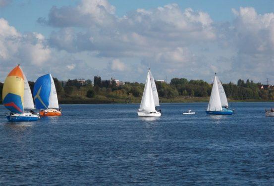 Segelsportlicher Sommer in M-V: Zwischen Sails und Segel-Wochen