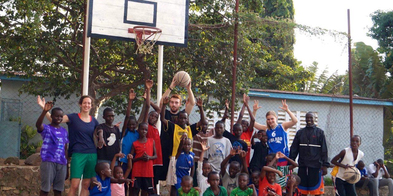 Kids mit Basketball begeistern – Die Reise nach Ostafrika