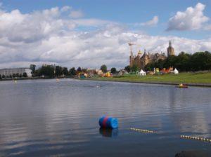 Am 11. August 2019 steigt das 15. Schweriner Schloss-Schwimmen - vor der Kulisse des Schweriner Schlosses
