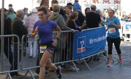 Blick zum Marathon: Marita und Maciej beim 38.Usedomer Marathon am besten