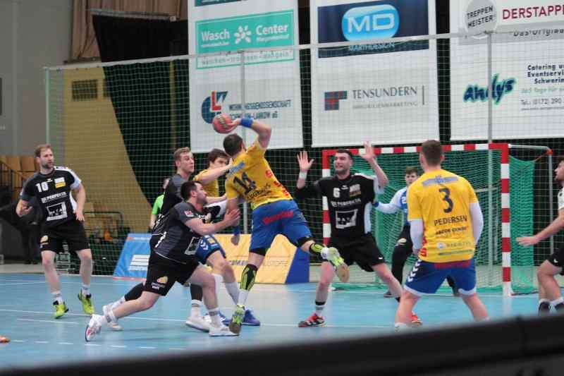 Stiere spielen nur unentschieden gegen Hannover-Burgwedel