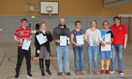 Schweiß und Spaß beim 22. Dorf Mecklenburger Badminton Fun-Turnier