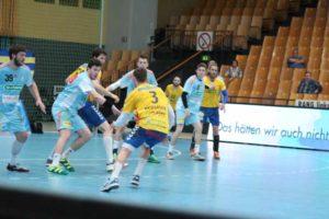 Mark Mathias Pedersen im Ballbesitz für die Mecklenburger Stiere - Foto: P. Bohne | 3. Liga Handball in Schwerin