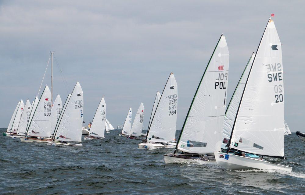 141 OK-Jollen jagen dreifachen Olympiamedaillen-Gewinner Lööf