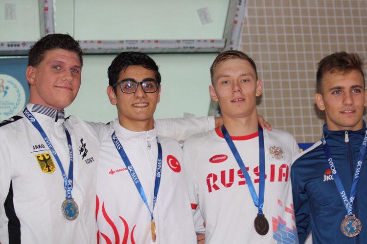 Gold, Silber, Bronze und ein Jugendweltrekord bei der Jugendeuropameisterschaft im Finswimming