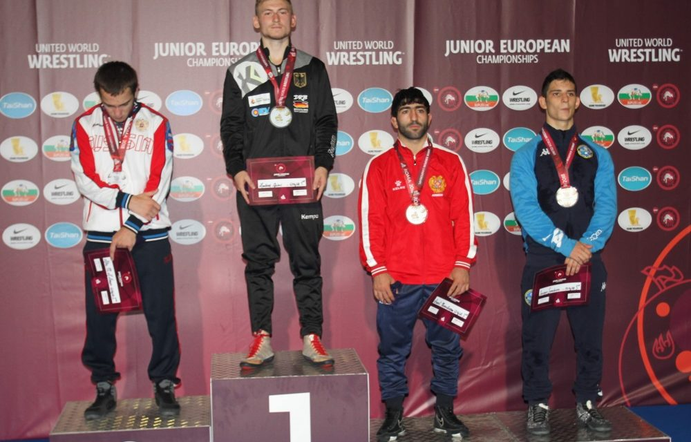 Ringer Andrej Ginc holt Gold bei Junioren-EM in Rom