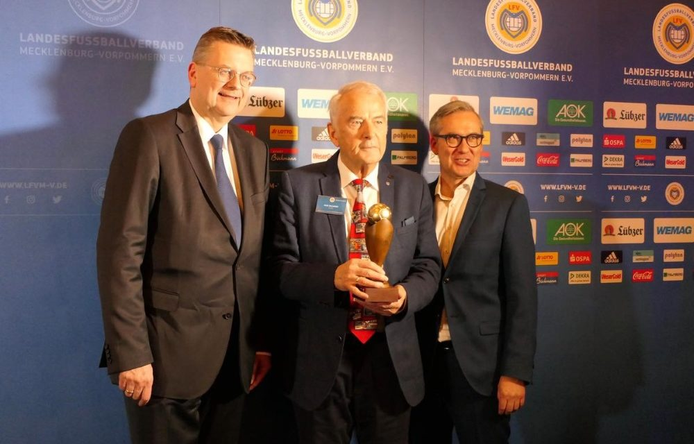 Rudi Hillmann erhält Goldenen Ball im Bereich Ehrenamt