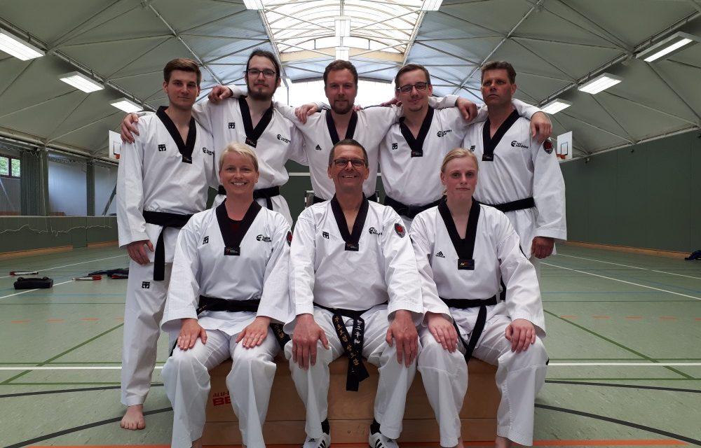 Anklamer Kampfsportler treffen sich zum Schwarzgurt-Training