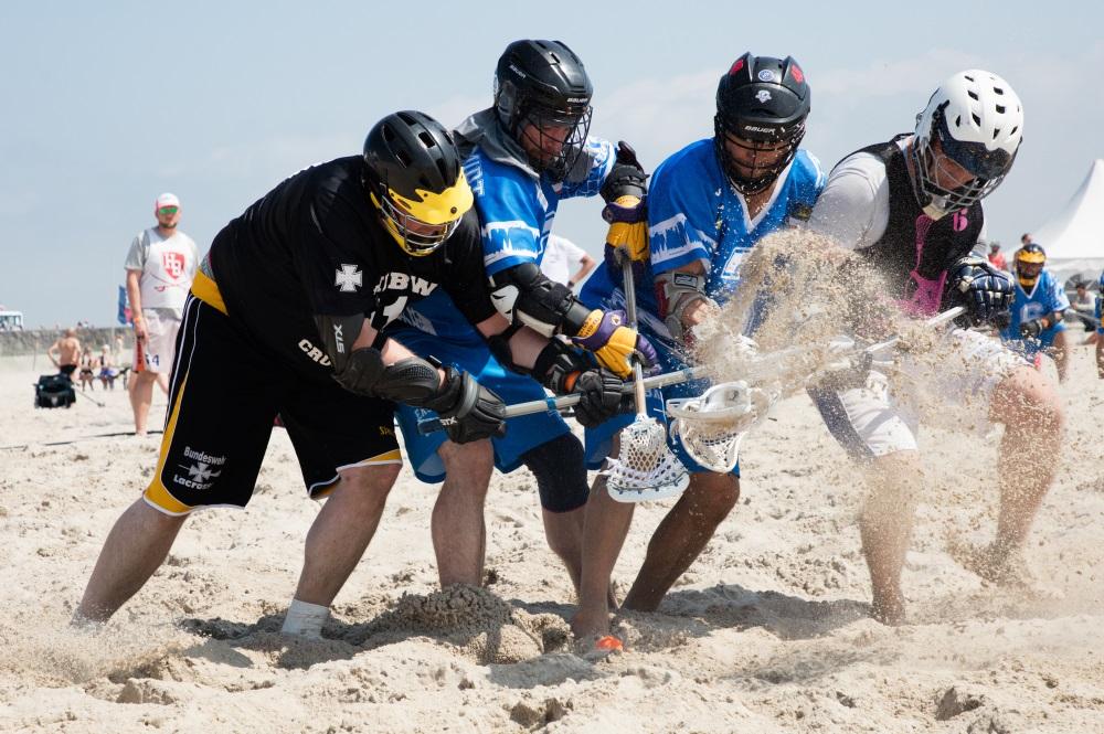 """LAX at the Beach"" Strand-Lacrosse-Turnier in der Sport Beach Arena Warnemünde. Foto: Pepe Hartmann"