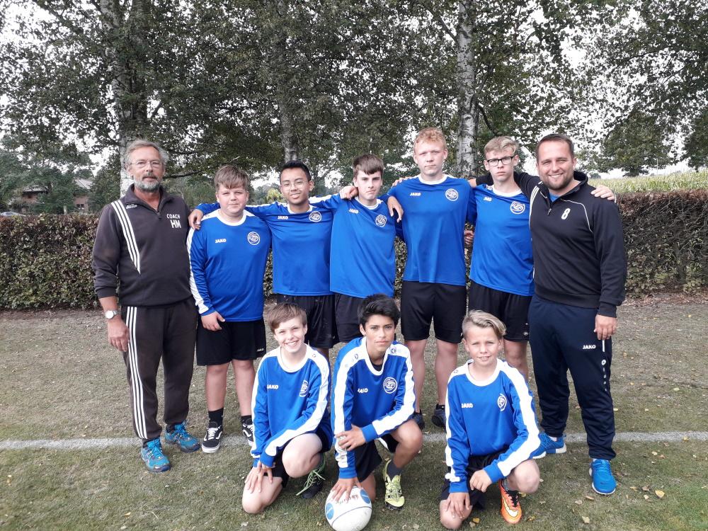 U14-team des Güstrower SC 09 bei den Deutschen Meisterschaften im Feldfaustball. Foto: Philipp Ohloff