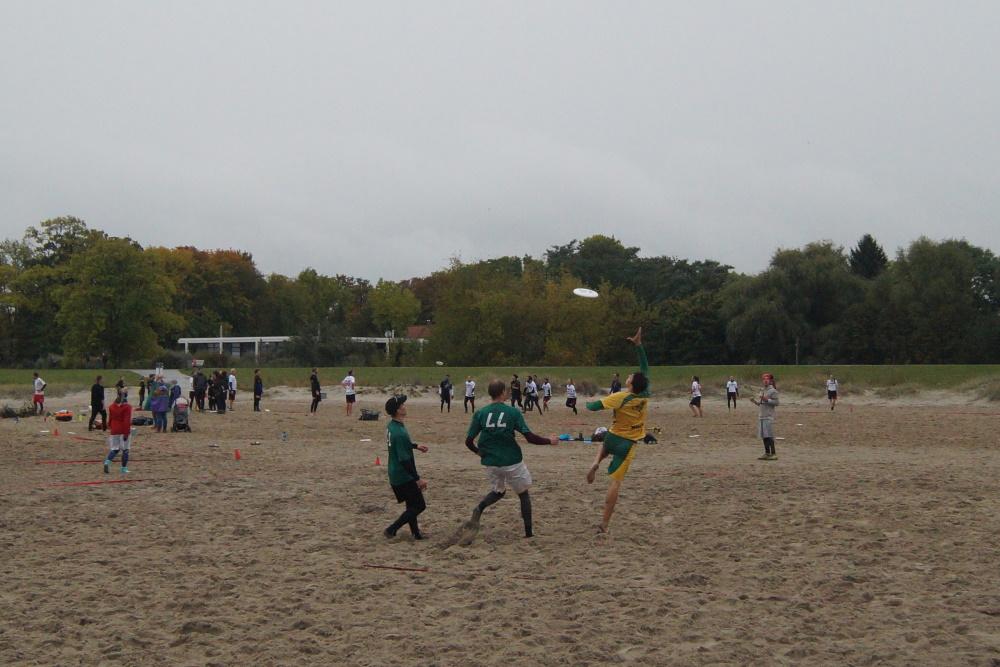 20 Mixed-Teams kamen am Wochenende ins Strandbad Eldena. Foto: Griffin's Lehre