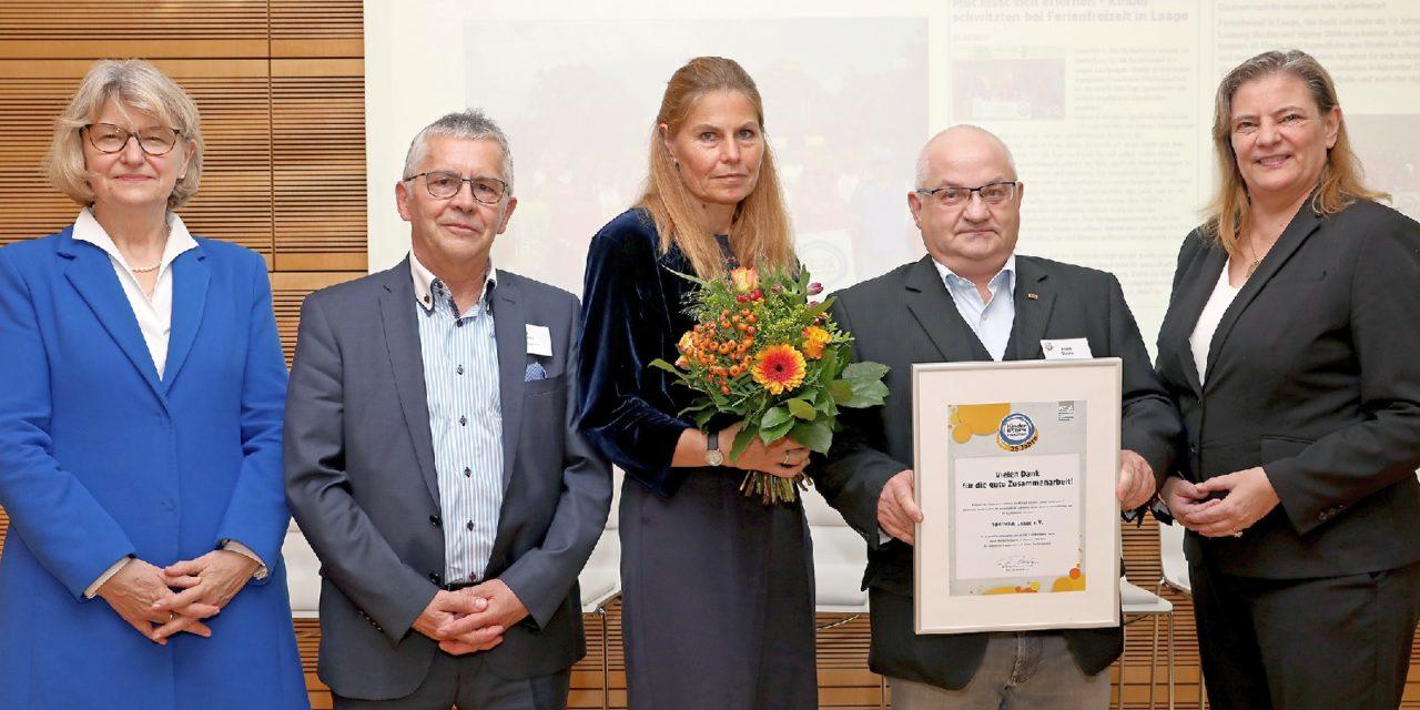 """25 Jahre """"Kinder stark machen"""": Große Ehre für den SC Laage"""