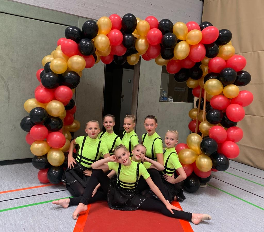 Holten überraschend den DM-Titel in Meinerzhagen: Das Jugendteam des TSC Neubrandenburg. Foto: Silke Ebert/TSC