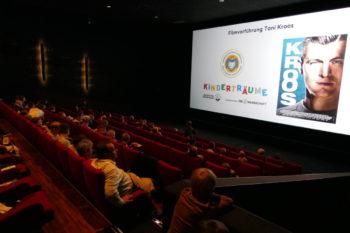 """Die Egidius Braun-Stiftung lud Rostocker Nachwuchsfußballer zur Kino-Sondervorstellung des Films """"Kroos"""". Foto: LFV MV"""