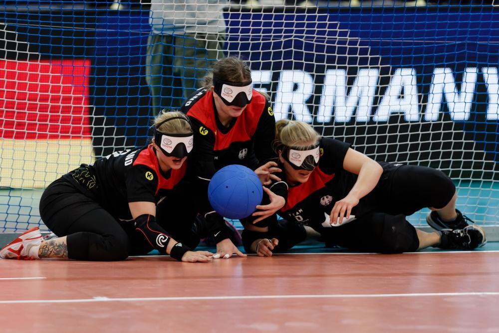 Pia Knaute, Stephanie Behrens und Charlotte Hartz | Goalball EM 2019 in Rostock | Foto: Binh Truong / DBS