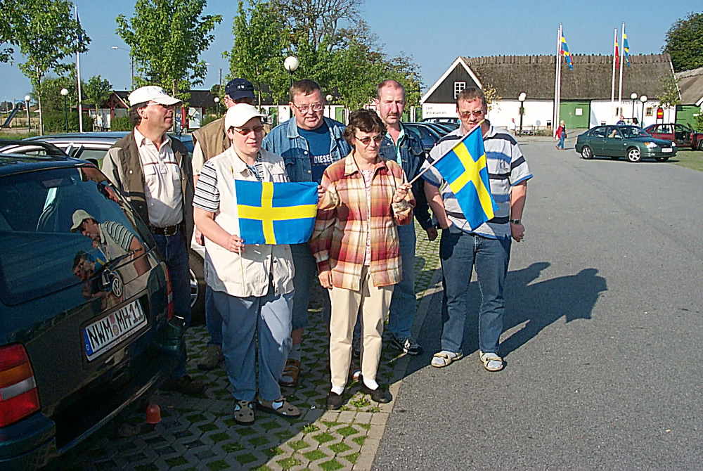 Erste Schwedenreise 2004. v.l.: W. Manz, H. Wilde, R. Wilde, W. Klose, S. Gessner, H. Manzelmann, J. Thede (Archivfoto: Abt. Kegeln VfL Neukloster)
