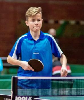 Tischtennisass Bastian Skopp siegte in Parchim und sicherte sich den Landesmeistertitel in der Jk 18. Foto: TTVMV
