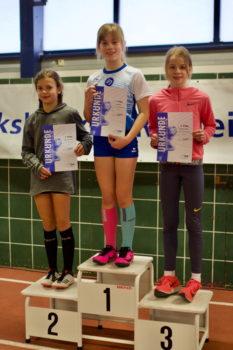 Lina Meyer war im 50 Meter Finale nicht zu schlagen. Foto: © Espen Göcke | Siegerehrung beim Hallensportfest des 1. LAV Rostock