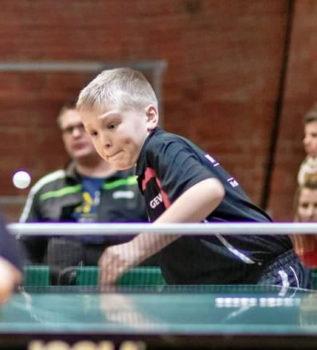 Tischtennisass Luca Tetzlaff siegte in Parchim und sicherte sich den Landesmeistertitel in der Jk 11. Foto: TTVMV