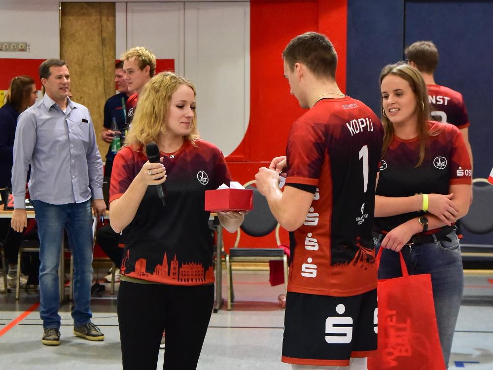 Verantwortung im Ehrenamt übernehmen Maren und Alina vom SV Warnemünde