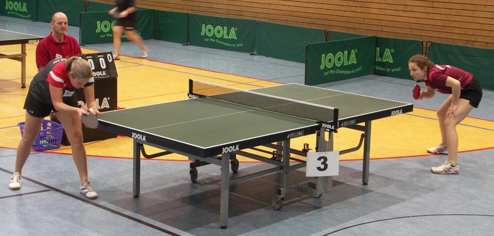 Tischtennis Landesmeisterschaften: Halbfinalespiel im Dameneinzel zwischen Sophia Scheel und Annkatrin Lange. Foto: Siegfried Wellmann