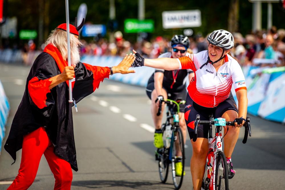 Mit einem vielfältigen Rahmenprogramm rund um das Profirennen wird bei der Deutschland Tour das Fahrrad gefeiert. Foto: © GFR Henning Angerer