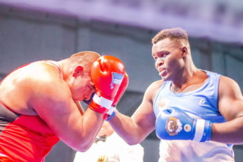 Nelvie Tiafack (rechts) wird am 15. Februar in Schwerin gegen Kuba boxen. Foto: ©️ Boxclub TRAKTOR Schwerin