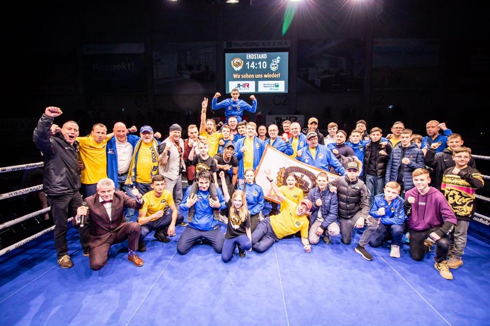 Das Traktor-Team bändigte die Chemnitzer Wölfe - Foto: ©️ Boxclub TRAKTOR Schwerin