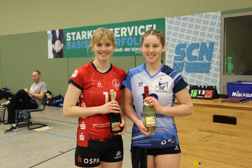 Pia Bredemeier (rechts) wurde MVP - Foto: © SC Neubrandenburg, Abt. Volleyball