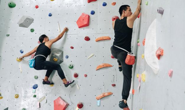 Die Trendsportart Bouldern: Neue Dimensionen erklettern