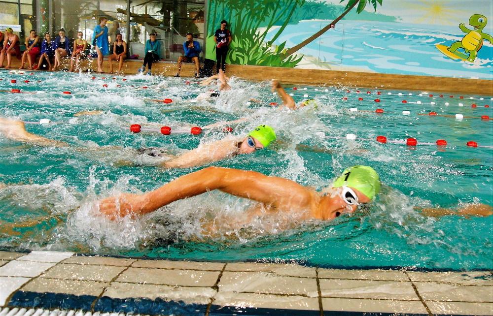 Frederik Pilarski (25:43/SC Neubrandenburg) und André Bauschmann (25:36/TC Fiko Rostock) beim 14. LVM-Versicherung Swim&Run in Güstrow. Foto: Veranstalter
