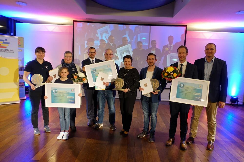 """Preisträger (Kategorie II) im Wettbewerb """"Kinder- und jugendfreundlicher Sportverein"""". Foto: LSB MV/Collin"""