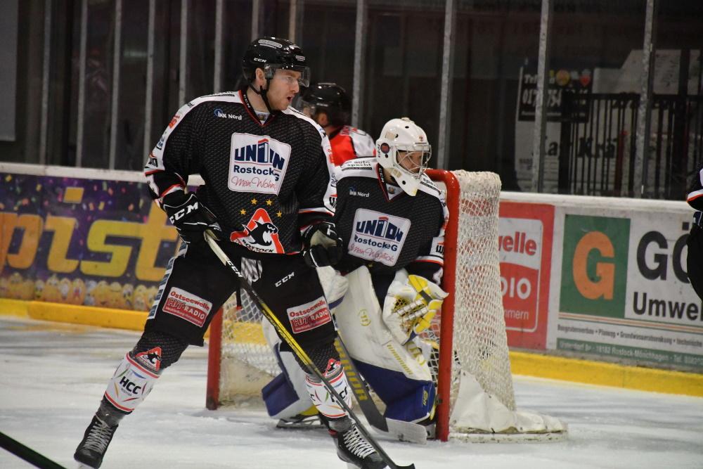Ohne Zuschauer geht es auch für die Piranhas des Rostocker Eishockeyclubs weiter. Foto: Susann Ackermann