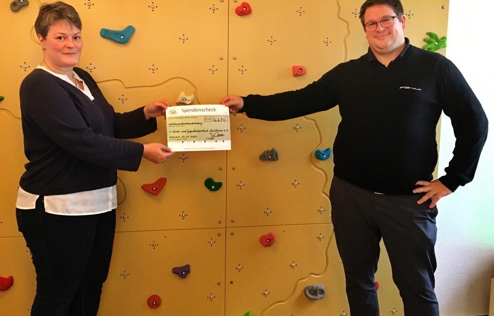 Golfpark Strelasund übergibt Spende an Kinder- und Jugendhospizdienst Leuchtturm e.V