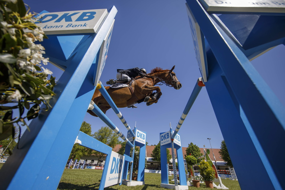 Dressur und auch Springsport pur mit der BEMER Riders Tour will das Pferdefestival Redefin vom 7. - 9. Mai bieten. (Foto: Stefan Lafrentz)