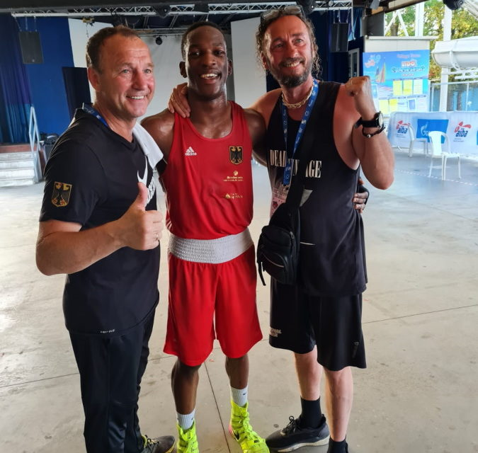Traktor-Boxer im Finale: Kevin kämpft um EM-Gold