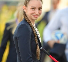 Alina Roß ist Deutsche Meisterin im Voltigieren