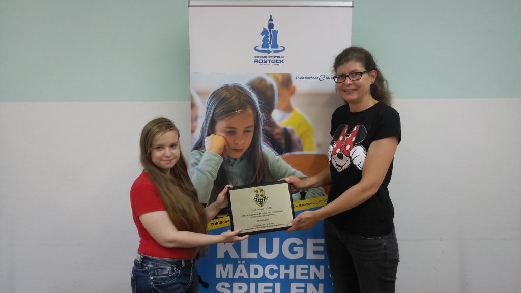 Schachzentrum Rostock startet. Damenteam gewinnt Premiere der Frauenlandesliga MV