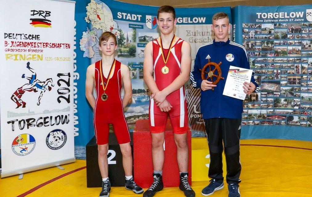 B-Jugend Ringer mit 3 DM-Medaillen und 2-mal Platz 5